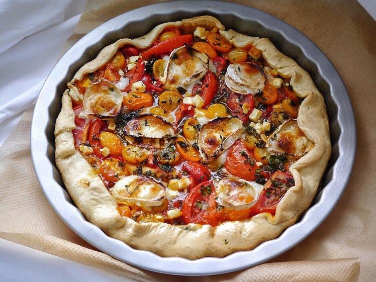 Tomatentarte mit Zigenkäse und Honig